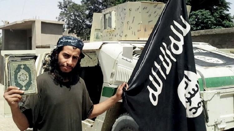 EI Estado Islámico publica un video del sacrificio de un iraquí arrojado al vacío por ser homosexual