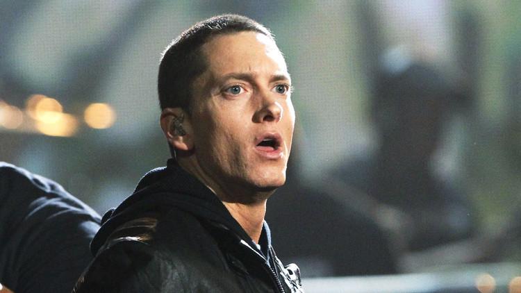 ¿Así de fácil?: Un estadounidense se hace pasar por Eminem y vota por él en las primarias (Video)