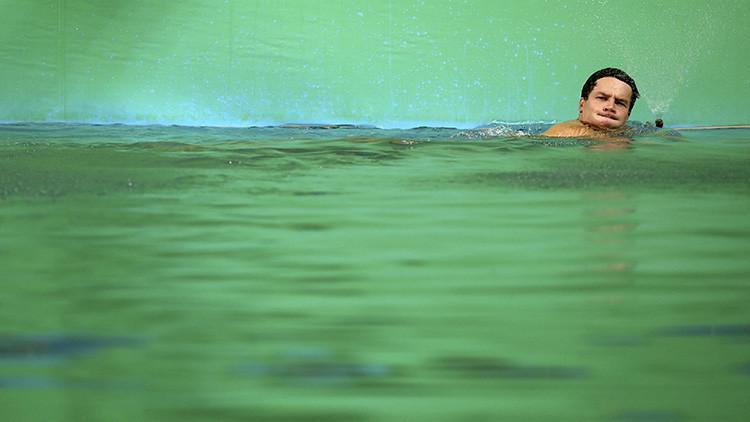 ¡No son algas!: Anuncian la verdadera causa del color verde del agua de las piscinas olímpicas