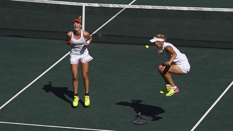 Las tenistas rusas Ekaterina Makárova y Elena Vesniná han conquistado la medalla de oro en dobles femenino de tenis en los JJ.OO. de Río.