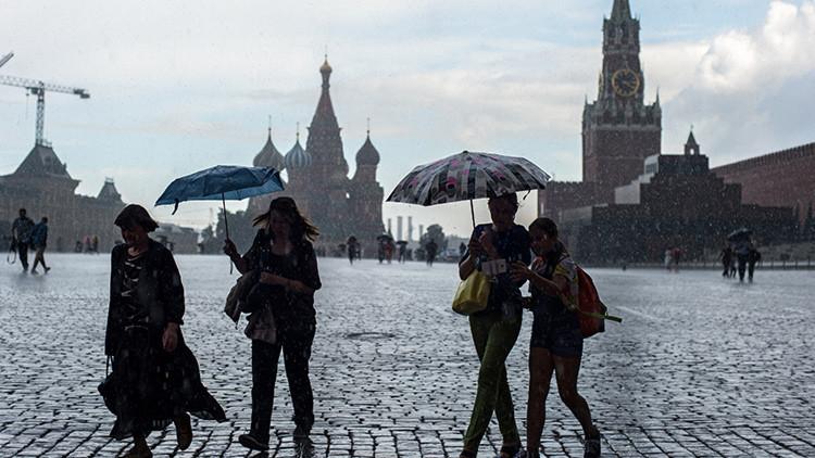 Las lluvias baten en Moscú un récord de hace casi 130 años (video, foto)