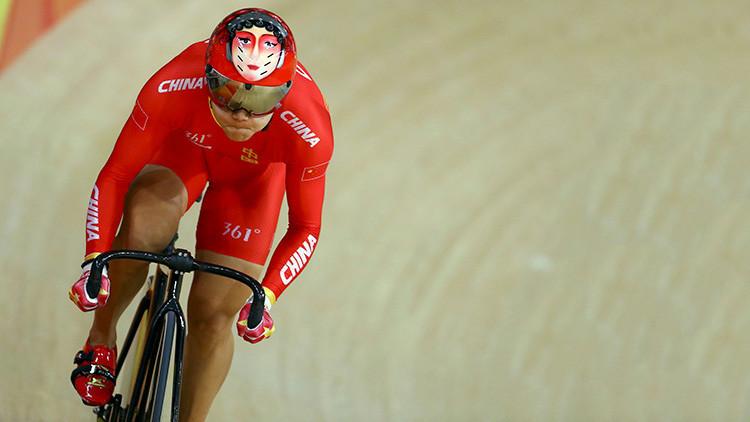 Los cascos de los ciclistas olímpicos chinos causan furor en las redes sociales (FOTOS)