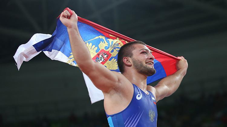 El luchador Davit Chakvetadze consigue el décimo oro para Rusia en Río