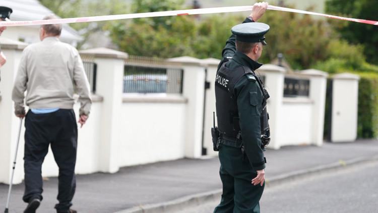 Detienen a un individuo que supuestamente portaba un arma de fuego en el sur de Londres