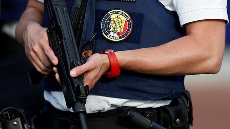 Bélgica: La Policía dispara a un hombre armado en Gante (video 18+)