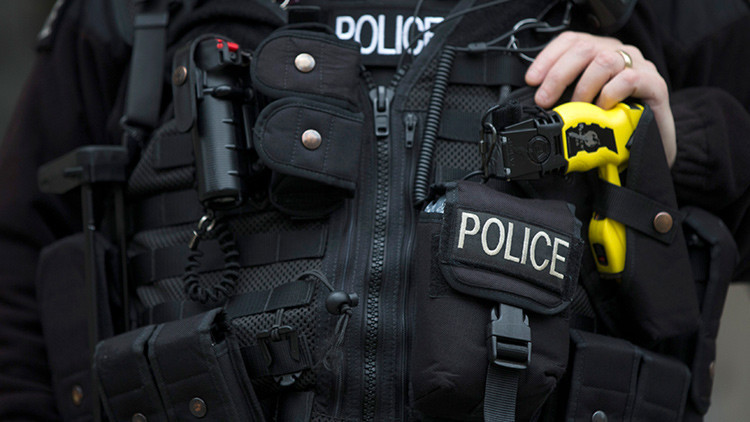 Hombres armados irrumpen en un gimnasio de Londres tras una persecución policial
