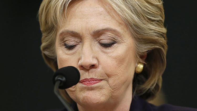 Un escándalo lejos de su fin: el FBI entrega al Congreso los datos sobre el correo de Clinton