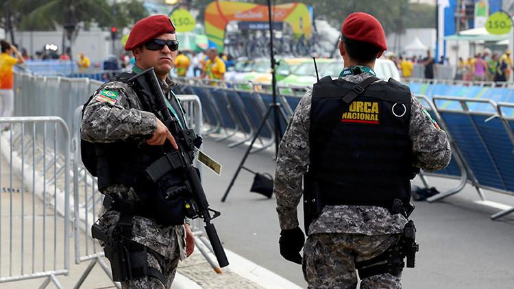 Brasil: Un policía muere tras ser desarmado por un detenido
