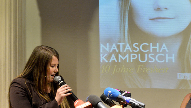 """La joven que pasó 8 años secuestrada en un sótano en Austria denuncia vivir su """"segunda prisión"""""""