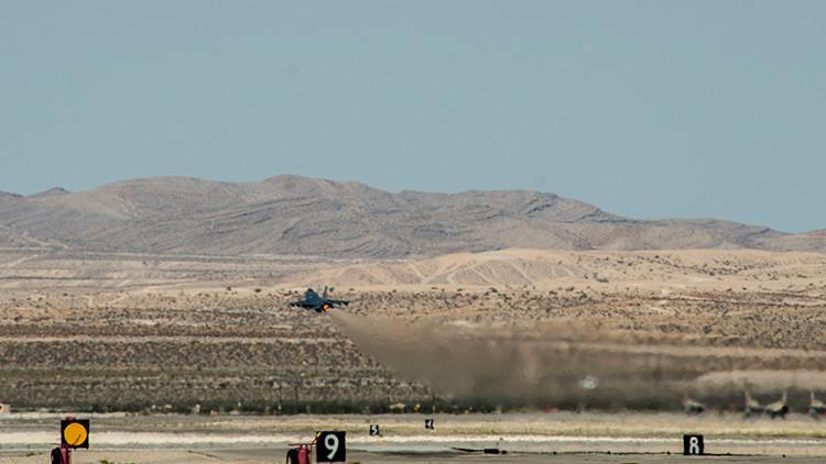 Un avión militar estadounidense se estrella en Las Vegas