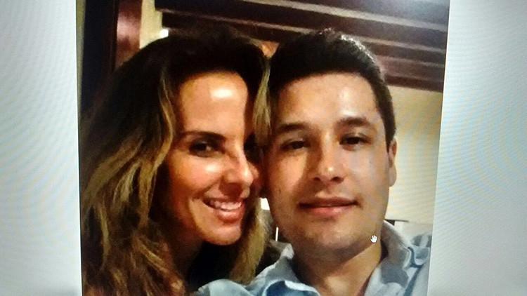 Hallan un 'selfie' del hijo secuestrado de El Chapo con la actriz mexicana que entrevistó a su padre