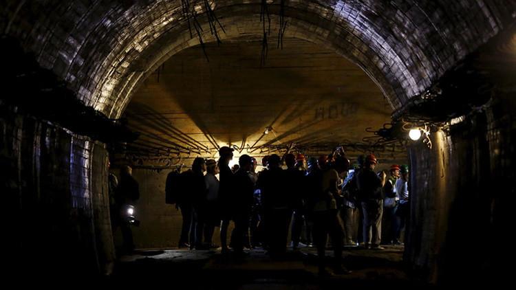 Primeros hallazgos de los cazatesoros que buscan el 'tren del oro nazi' en Polonia