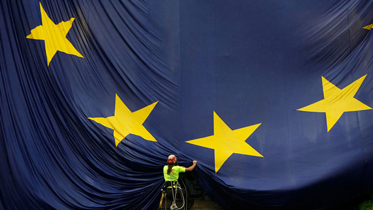 La mitad de los empleados en prácticas de la UE no reciben ni un solo euro