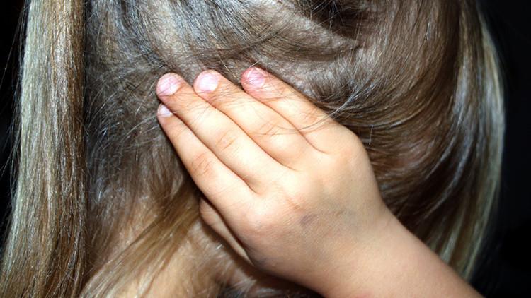 EE.UU.: Una niña víctima de violencia doméstica pensaba que su nombre era 'idiota'