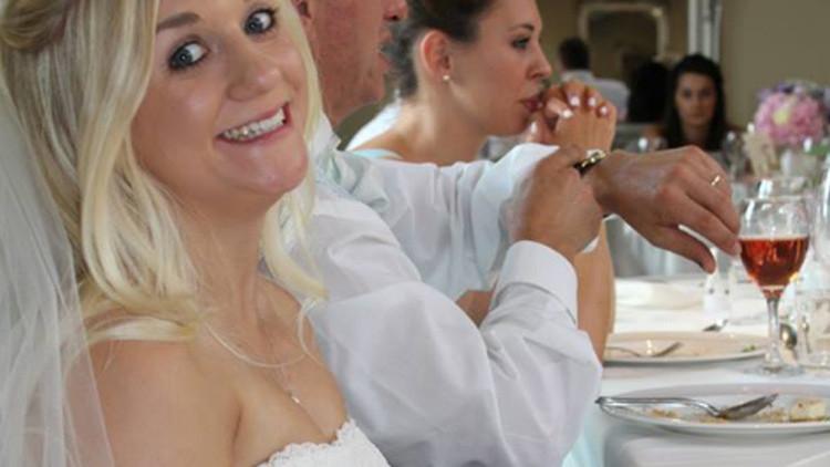 """""""El hedor de la traición"""": la descripción de este vestido de boda provoca furor en la Red (foto)"""