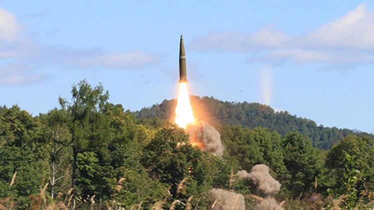 Maniobras en Rusia: Misil Iskander-M impacta contra un blanco a 300 kilómetros de distancia (video)