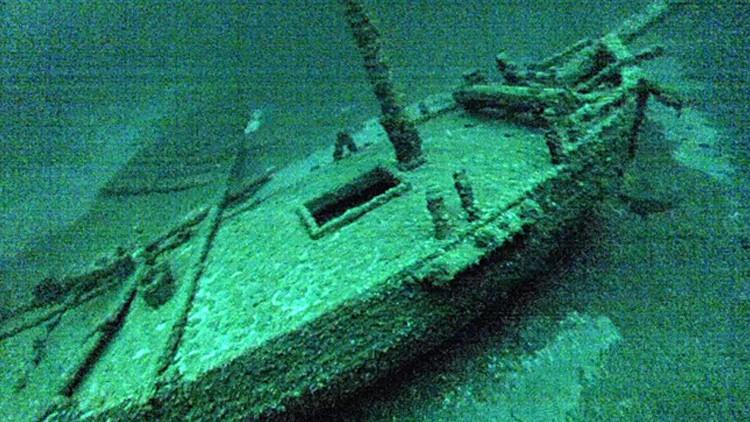 Hallan en el fondo del lago Ontario un barco del siglo XVIII en perfecto estado de conservación