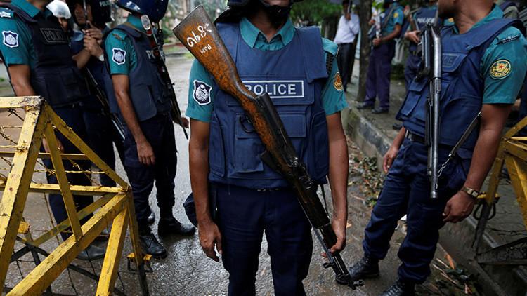 Una pelea entre seguidores de una telenovela deja más de cien heridos en Bangladés