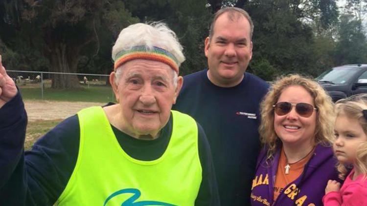 Un veterano de la Segunda Guerra Mundial cruza EE.UU. corriendo en mil días (fotos)