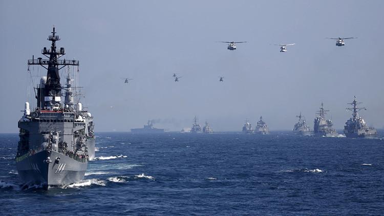 El destructor Kurama de la Armada de Japón