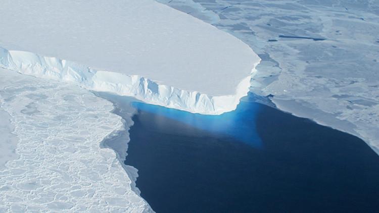 Aumenta la grieta de 130 kilómetros que amenaza a una gran plataforma de hielo de la Antártida
