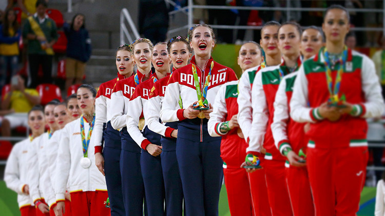 Atletas rusas de gimnasia rítmica celebran su victoria en Río 2016