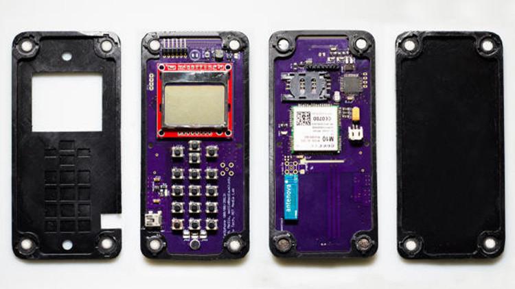 Video: Crean un teléfono inteligente que se autoensambla sin intervención humana
