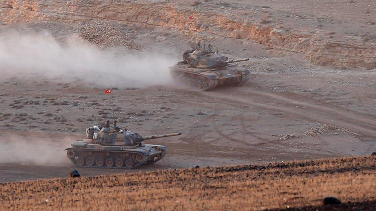 Una decena de tanques turcos entran en Siria