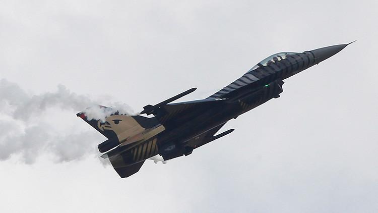 Cazas F-16 de la Fuerza Aérea turca entran en el espacio aéreo sirio