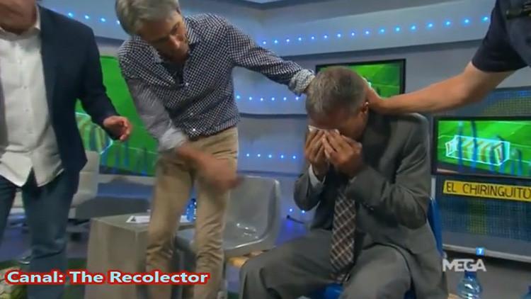 No fue su mejor noche: le roban la silla y se lleva un pelotazo en la cara en directo