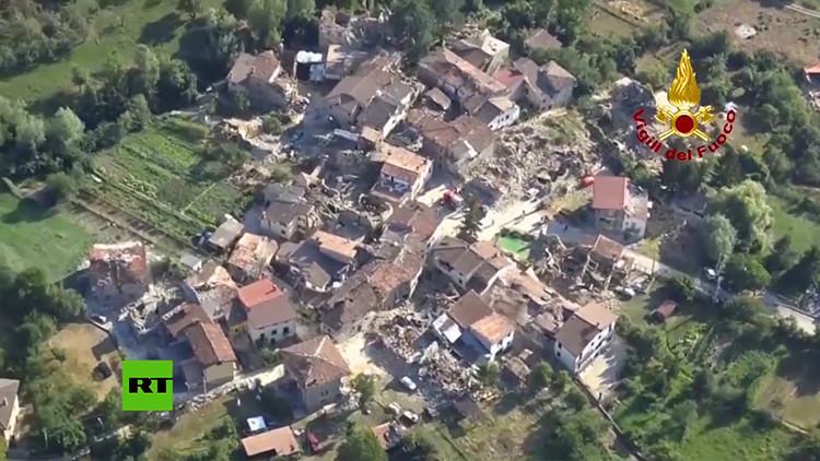 """""""Es un cementerio"""": La devastación que ha causado el letal terremoto, a vista de dron (VIDEO)"""