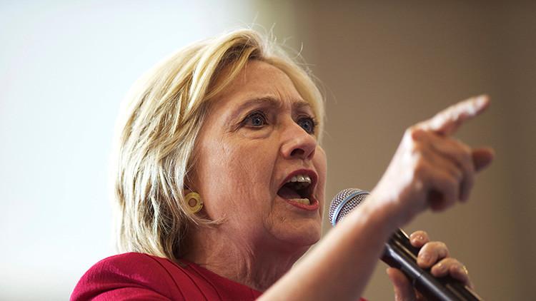 'Ataque demócrata': Clinton lanza un controvertido video que vincula a Trump con el Ku Klux Klan
