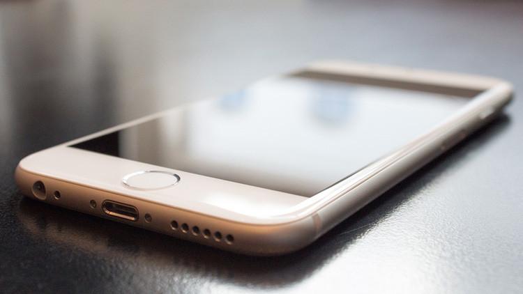 """Descubren una herramienta """"sin precedentes"""" para piratear móviles iPhone"""