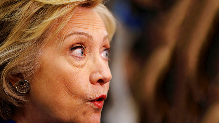 "Assange acusa a Hillary Clinton de instigar la histeria antirrusa ""al estilo del macarthismo"""