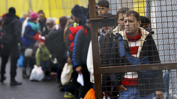 "El ministro de Defensa de Austria tacha de ""irresponsable"" la política de Merkel sobre refugiados"
