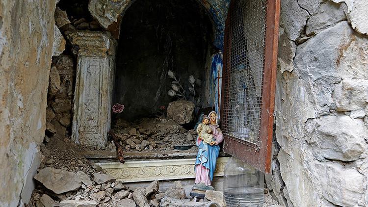 """""""Envíaba mensajes para que orasen por mí"""": La historia de la monja que dio rostro al sismo en Italia"""