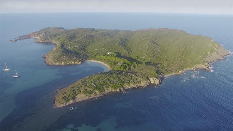 'Una joya del Mediterráneo': Ponen a la venta una isla paradisíaca tras más de un siglo (video)