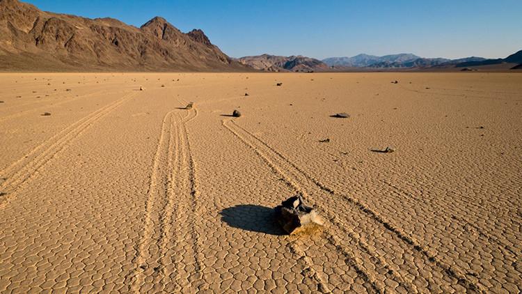 Un tema 'resbaladizo': Resuelven el misterio de las piedras deslizantes del Valle de la Muerte