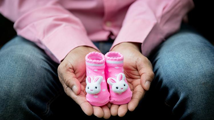 En Alemania podrían obligar a las madres a revelar el nombre del padre biológico de sus hijos