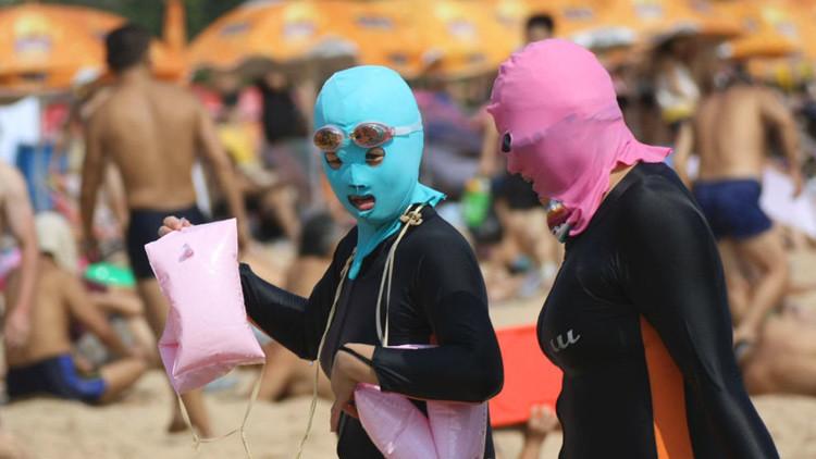 ¿Qué haría Francia si el 'facekini' chino se popularizara en sus playas?
