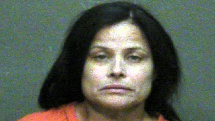 """EE.UU.: Una mujer mata con un crucifijo a su hija por """"estar poseída por Satanás"""""""