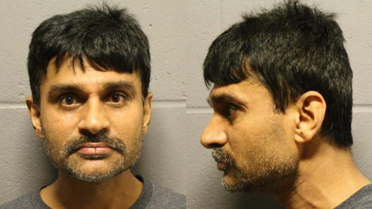 EE.UU.: Un hombre que apuñaló a su esposa evita ser condenado a prisión por ser hindú