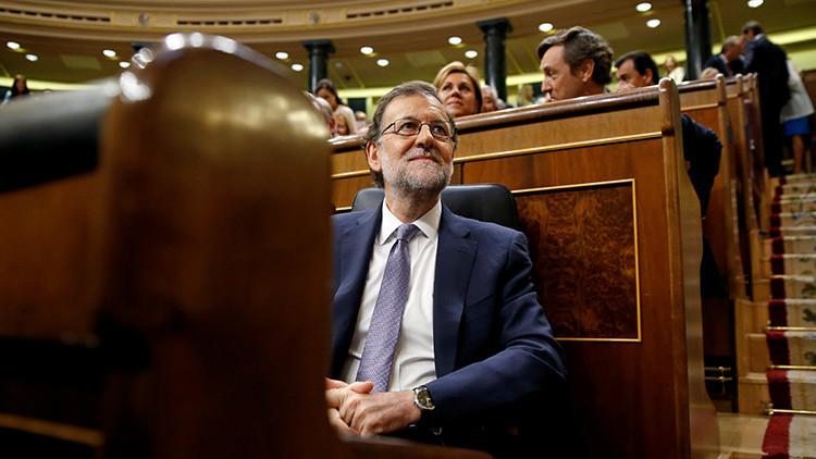 """Podemos durante el debate de investidura en España: """"La corrupción está en los genes del PP"""" (video)"""