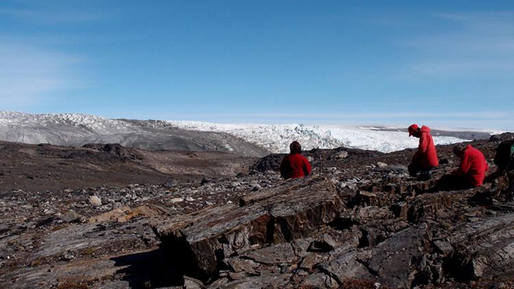 Hallan los fósiles más antiguos de la Tierra que pueden cambiar la teoría del surgimiento de la vida