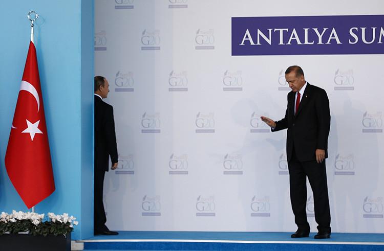 El presidente ruso durante un encuentro con su homólogo turco en el marco de la reunión del G20 en Antalya, Turquía. 15 de noviembre de 2015.