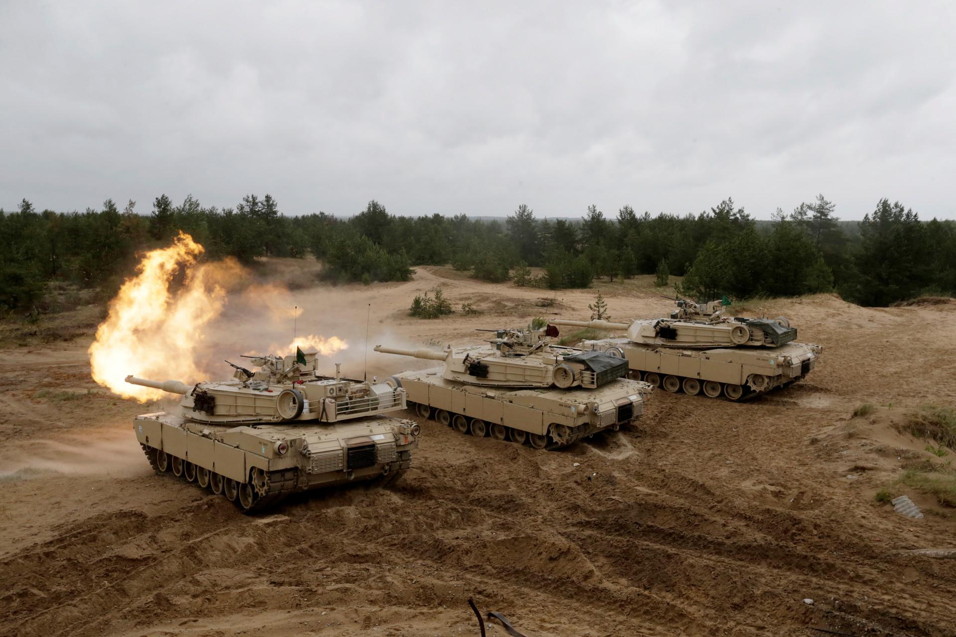 Arabia Saudíta compra otros 153 tanques Abrams 57aa369dc361889f358b45a4