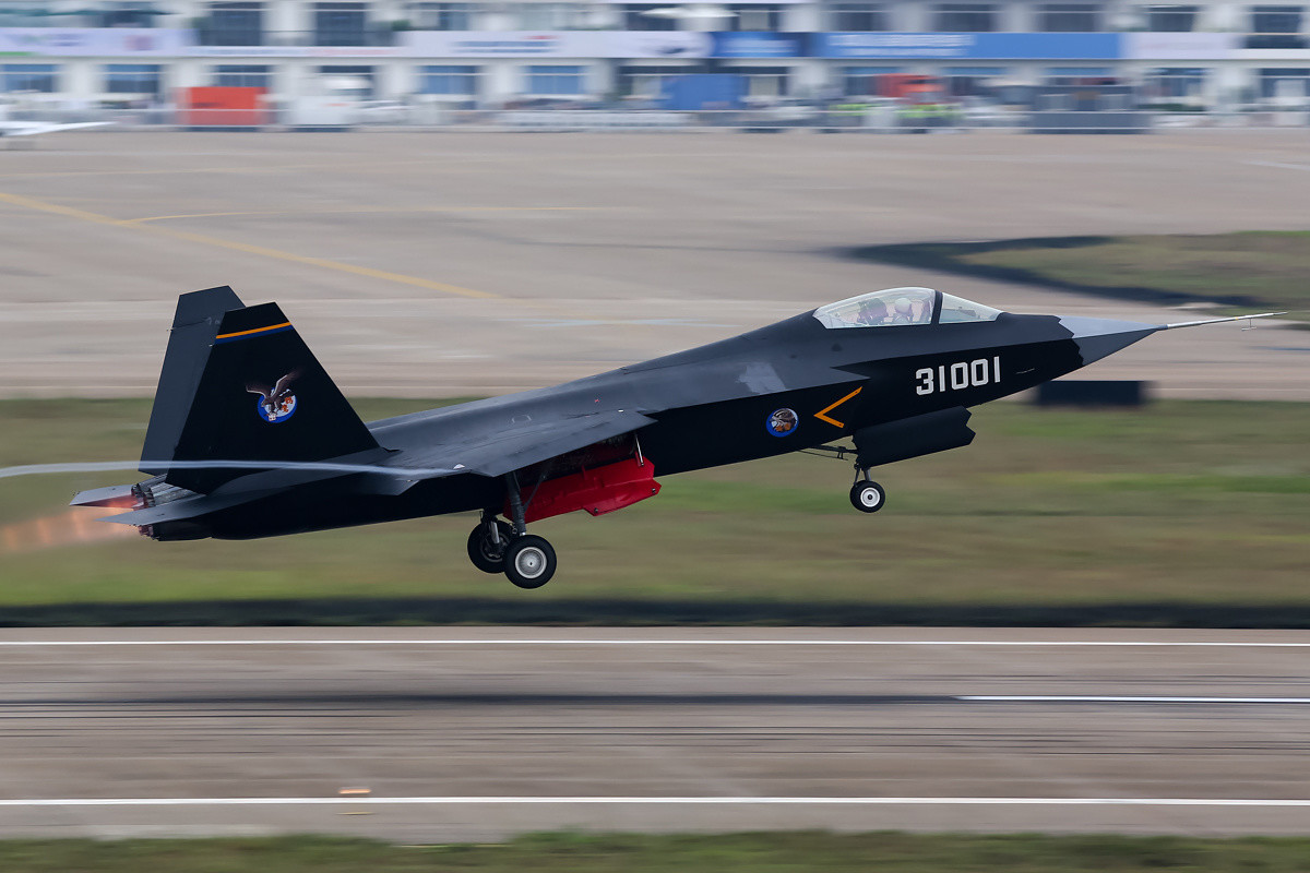 Shenyang J-31 (F60)