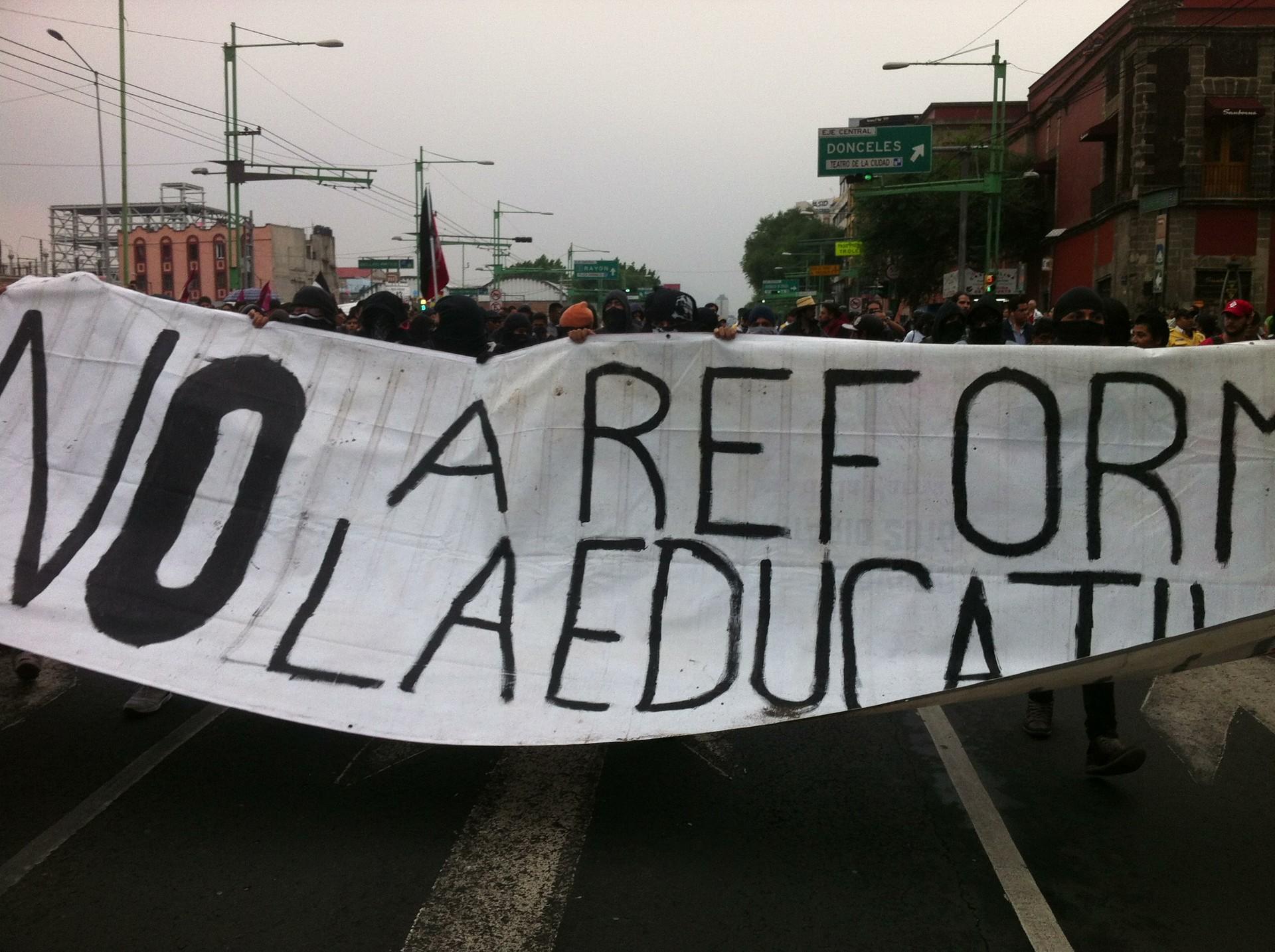 Protesta contra la Reforma Educativa promulgada por el gobierno de México