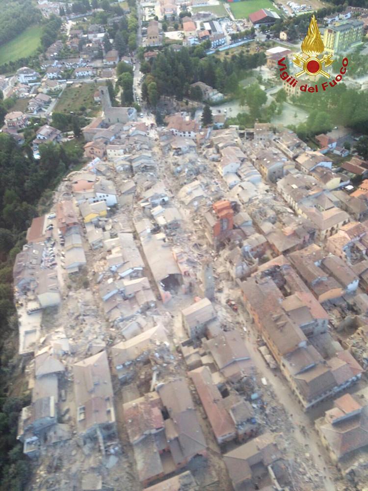 Vista general de la ciudad de Amatrice luego del terremoto. 24 de agosto de 2016.