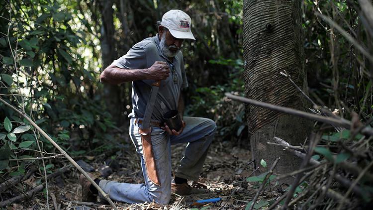 Raimundo Mendes de Barros, cortador de caucho hace 57 años trabajando en la reserva Chico Mendes (Acre, Brasil)